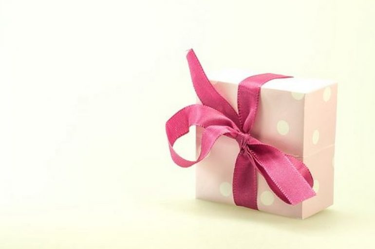 Cadeau personnalisé pour les invités d'un mariage : idées et astuces
