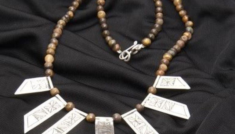 Offrir un bijou ethnique pour les fêtes de Noel, une bonne idée cadeau !