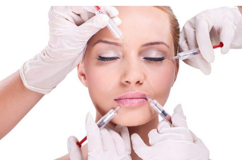 Rajeunir son visage sans chirurgie grâce à l'acide hyaluronique